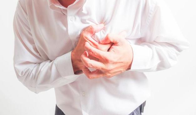 心绞痛不是大病?不要忽视,心绞痛病情严重会引发猝死