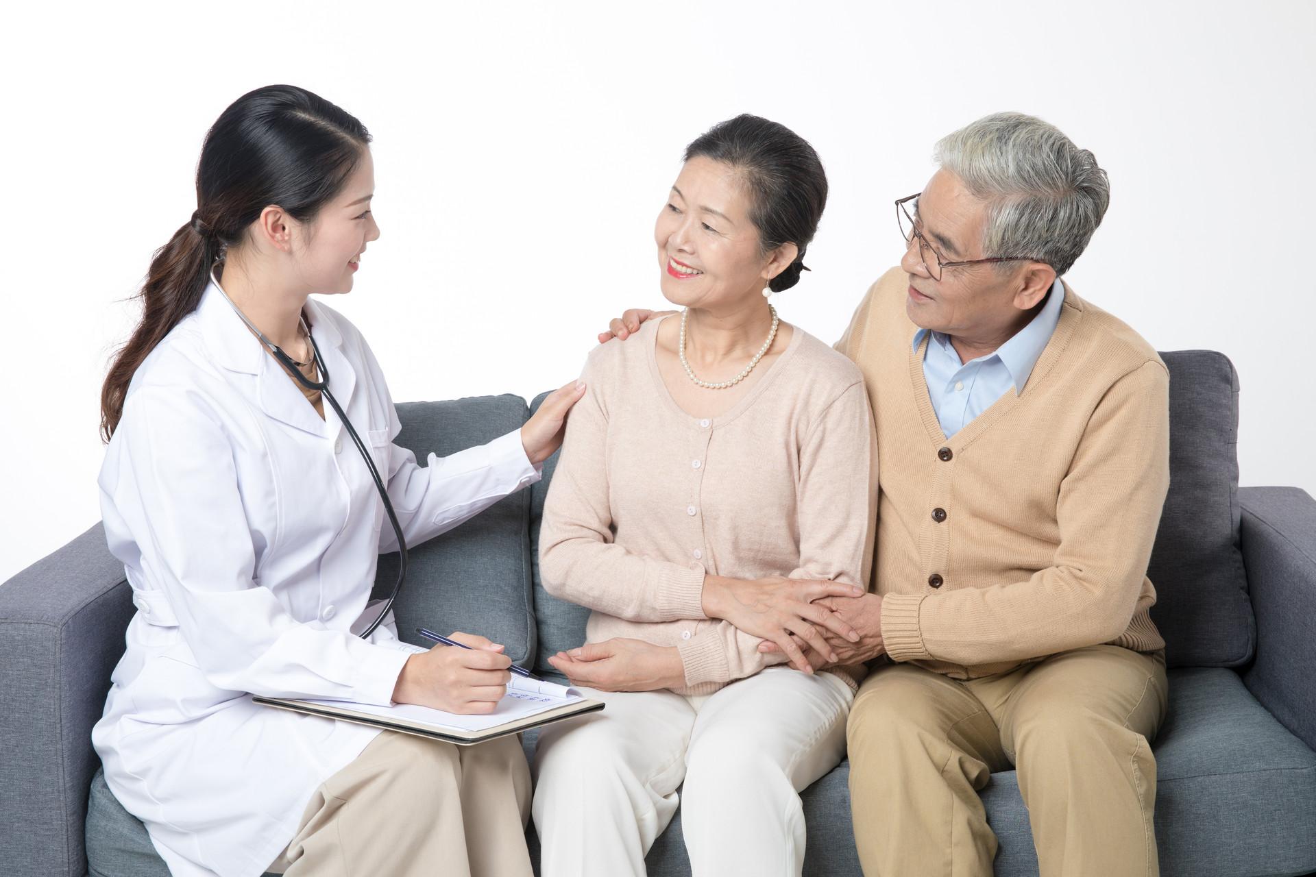 """""""喜癌""""甲状腺癌,生存率可超过84%,但3个早期症状也别忽视"""